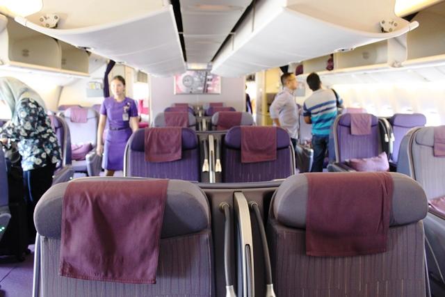 タイ航空 777-200 ビジネスクラス:機内