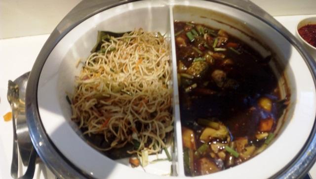 中華風焼きそばと野菜の餡かけ