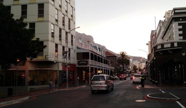 南アフリカ 旅行 準備:ケープタウン中心部のロングストリート