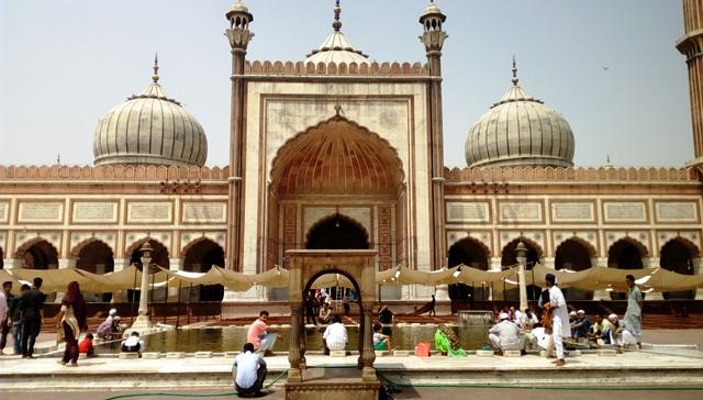 モスクの正面