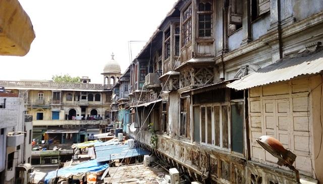オールドデリー スパイスマーケット:風情ある古い建物