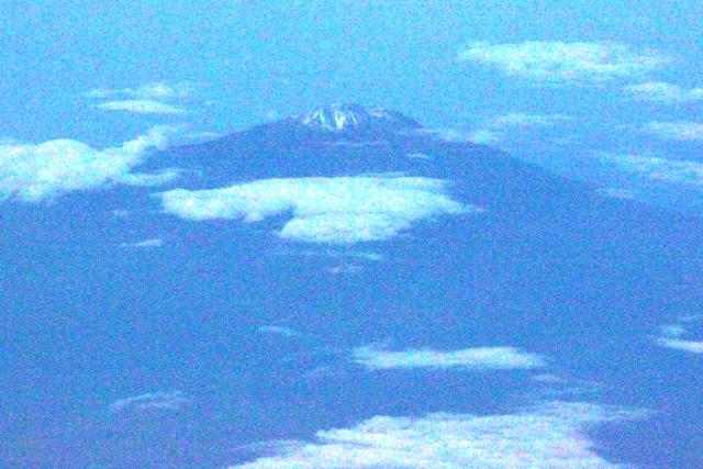 富士山?では無くタンザニアのメルー山
