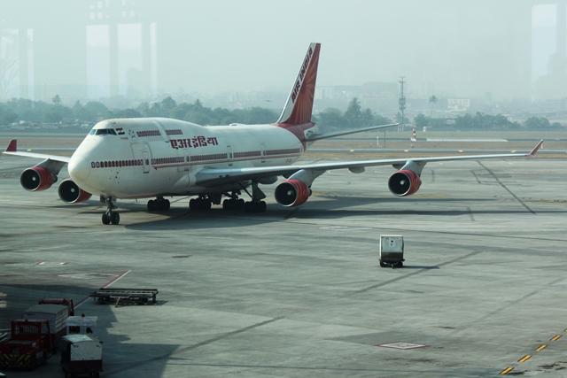 エアインディア 747 エコノミー:横の角度もセクシー