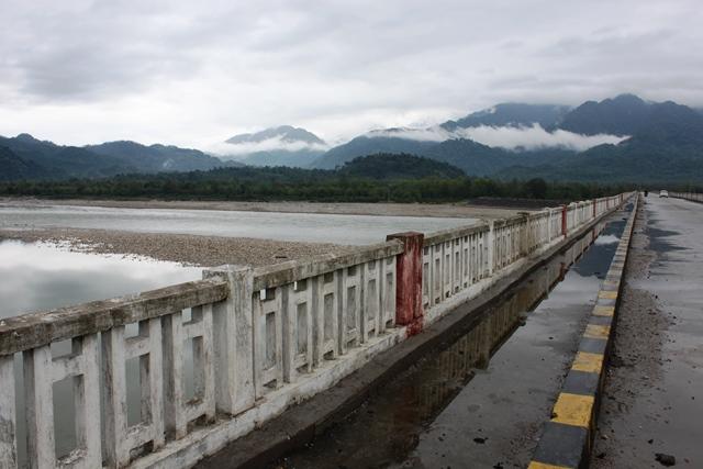 シアン川に掛かる橋