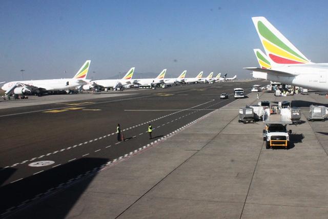 エチオピア航空機がずらり並ぶ
