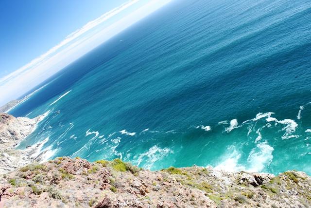 海の色は綺麗