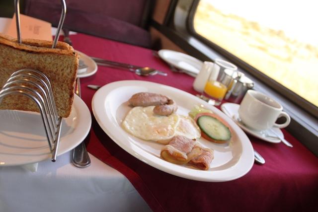 典型的な南アスタイルの朝食