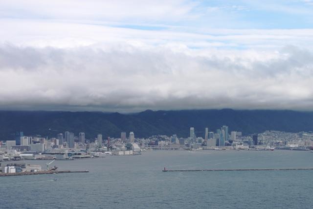 雲と青い空のコントラストが美しい