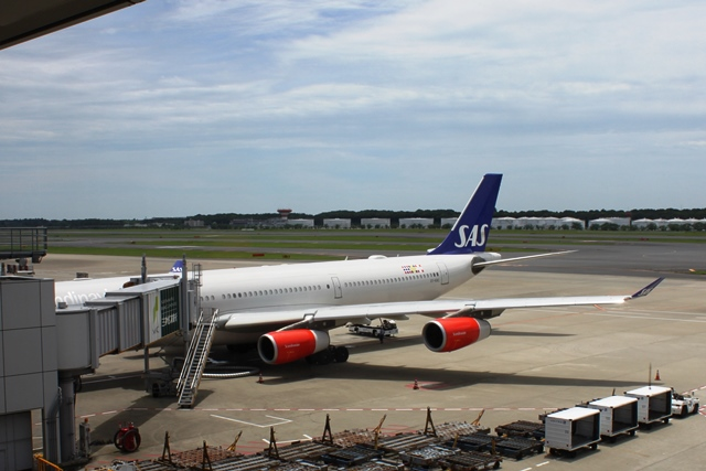 SASスカンジナビア航空A340機