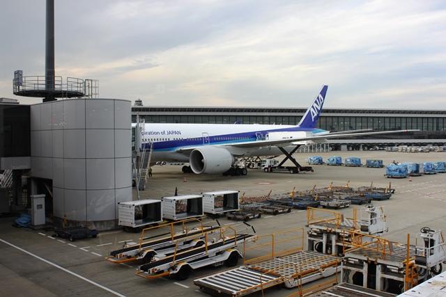 シンガポール行きANA機