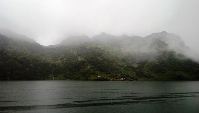 シッキム 湖:ツォムゴ・レイク