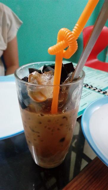 デリー ベトナム料理:本格的なベトナムアイスコーヒー