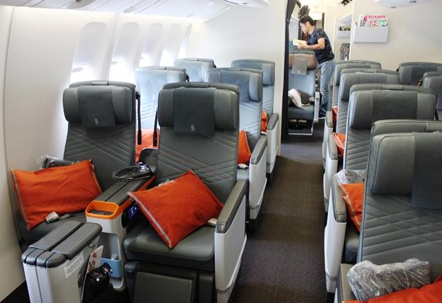 シンガポール航空 777-300ER プレミアムエコノミー:プレエコキャビン