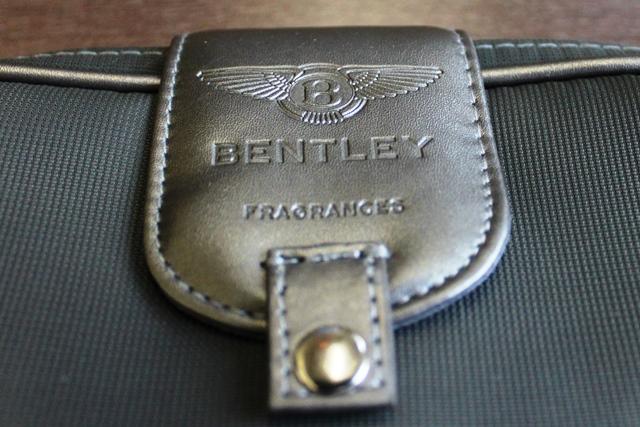 ベントレーのロゴ