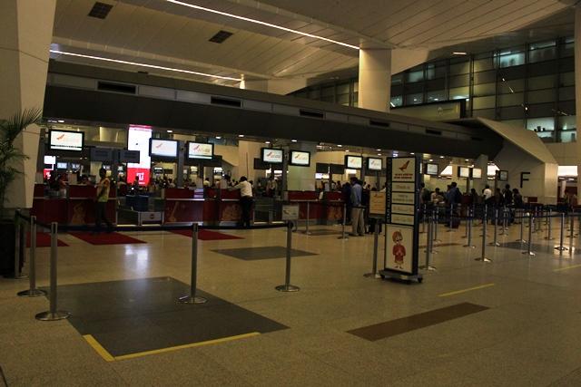 デリー空港エアインディアチェックインカウンター