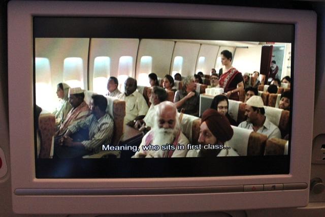 救出後のエアインディアの機内