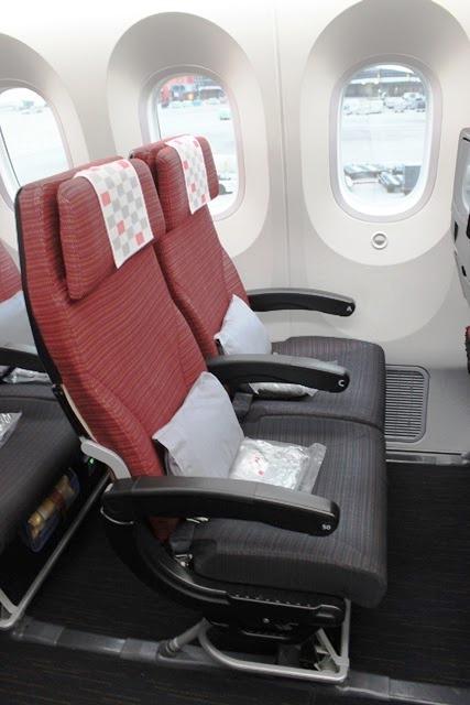 日系 航空会社 経営者:JALのエコノミーはかなり快適