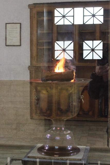 1,500年間燃え続ける聖火