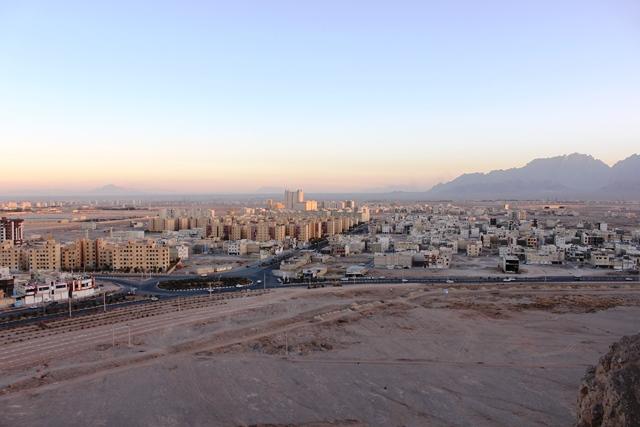 沈黙の塔から眺めるヤズド市街