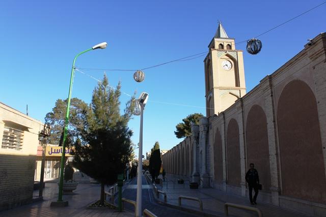 イスファハーン アルメニア教会:教会前の通り