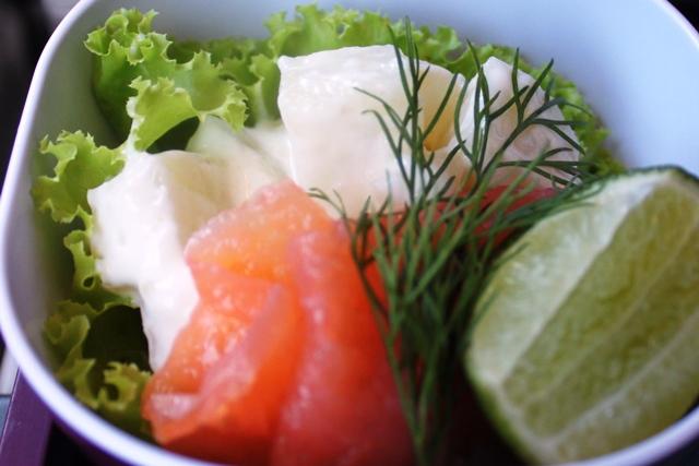 スモークサーモンとポテトサラダ
