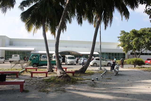背後に国際空港