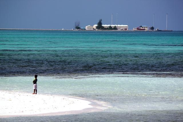地元のビーチ