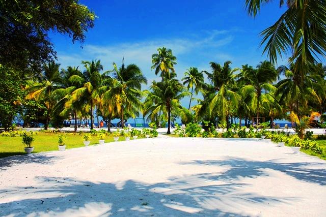 リゾート敷地内の砂浜