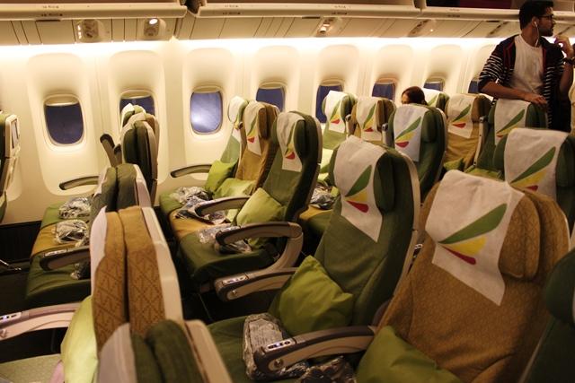 エチオピア航空 777 エコノミー 搭乗記:B777-200LR機エコノミークラスシート
