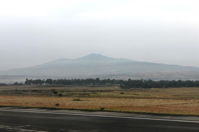 アディスアベバ空港の滑走路から眺める景色