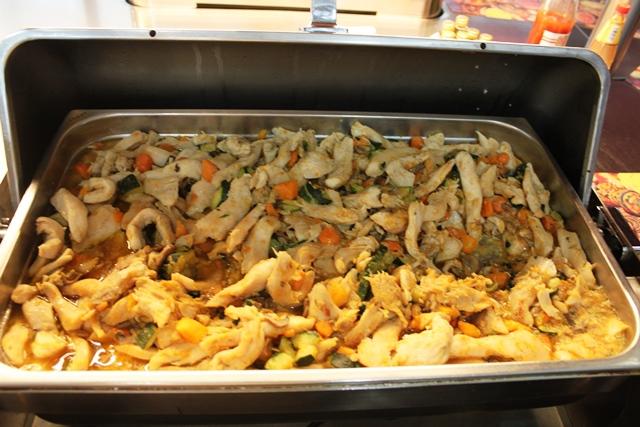 チキンと野菜の炒め物
