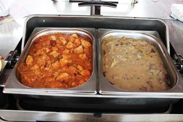 チキンのトマト煮と牛肉のクリーム煮