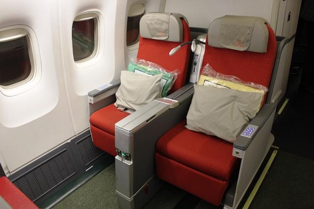 B767新型ビジネスクラスシート