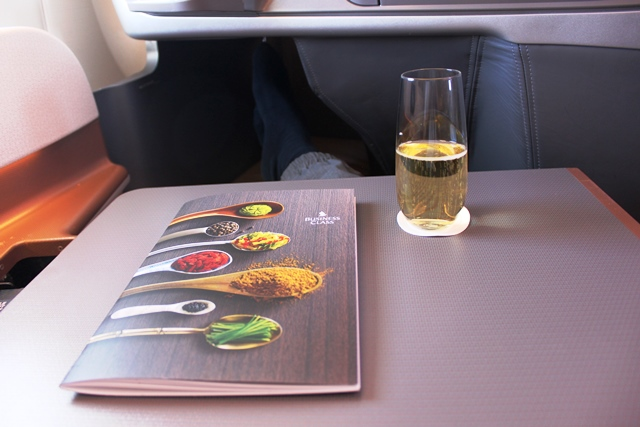 メニューとシャンパン