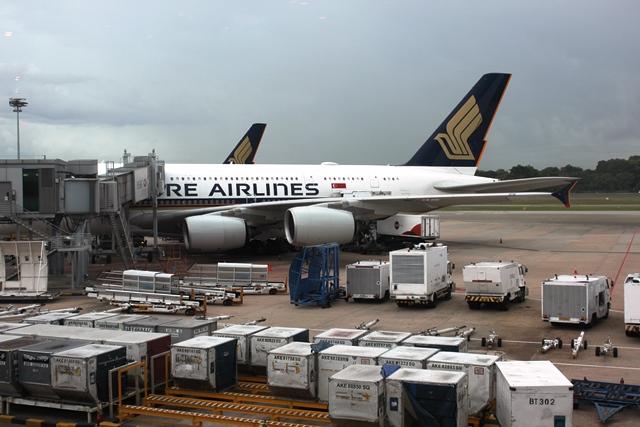 香港行きのA380機