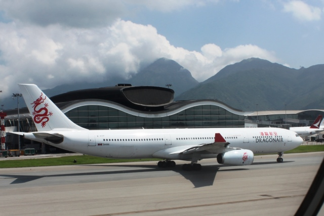 ドラゴン航空A330機