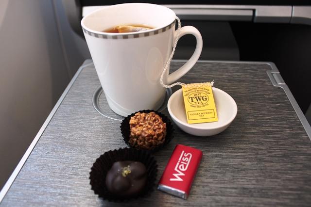 〆のお茶とチョコレート
