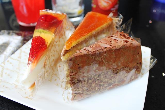 デメル製のケーキ