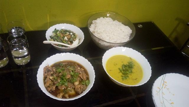 マニプール料理の夕食