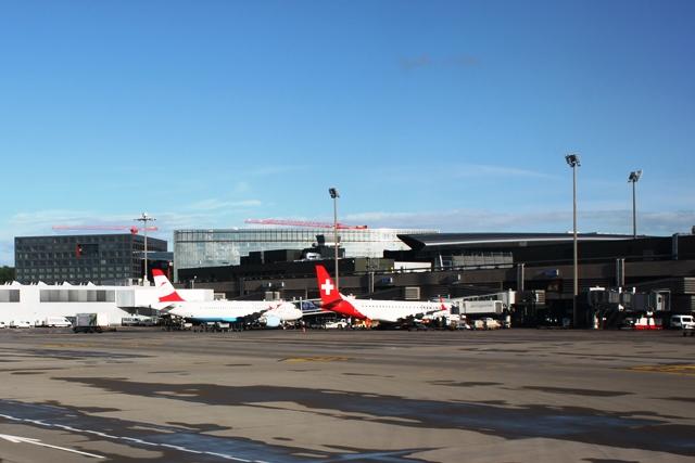 クローテン空港のターミナル