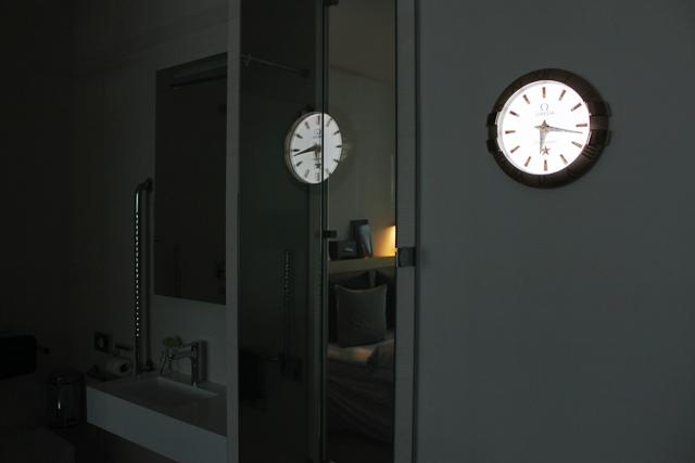 部屋の飾り時計はオメガ製