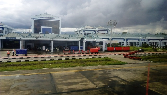 インパール空港のターミナル