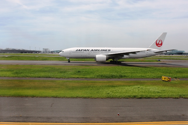 JAL777-200機