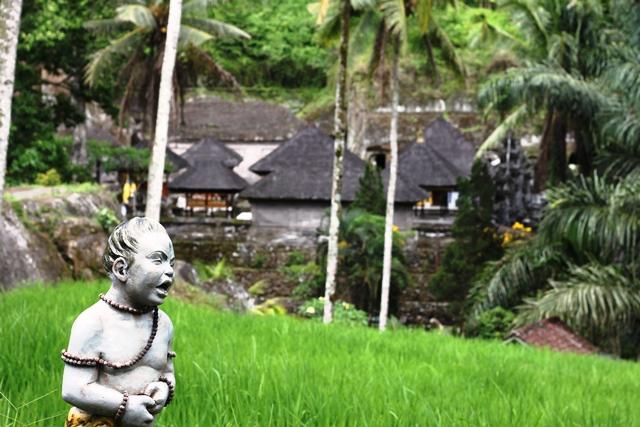 バリやっこと寺院
