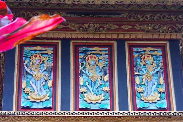途中の寺院にあった絵