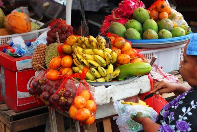 鮮やかな南国フルーツ