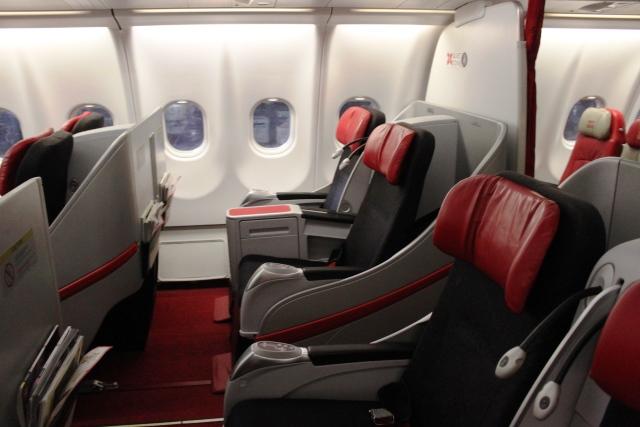エアアジア 搭乗記:プレミアムフラットベッド