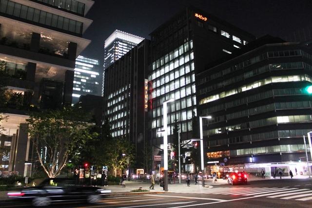 ブラック企業とは:東京の夜