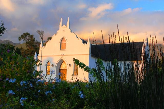 街のシンボルであるプロテスタント教会