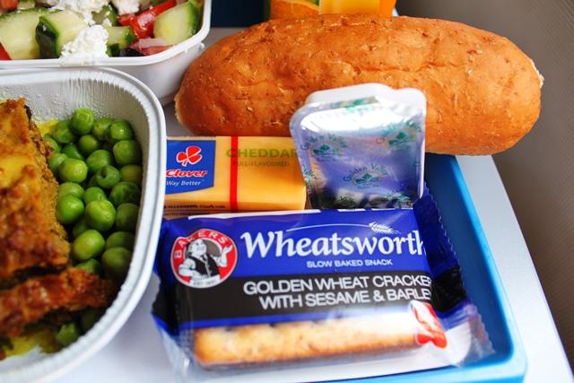 パン、チーズ、クラッカー